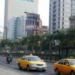 タクシーに乗ると高速で1時間の観光名所に連れて行かれる話