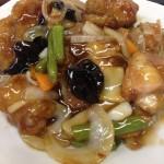中華食堂眞心(しんしん)さんの酢豚定食は食べきれないパワー