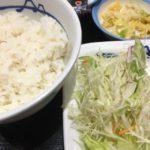 松屋 梅田店:松屋さんのソーセージエッグ定食